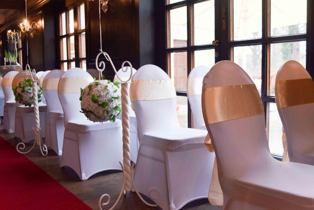 Schleifen für die Stühle mieten - Hochzeitsschleifen - Hochzeitsdekoration mieten - Rund um Ihre Hochzeit