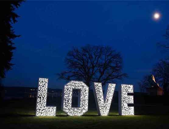 Love Buchstaben XXL 1,4m Rund um Ihre Hochzeit