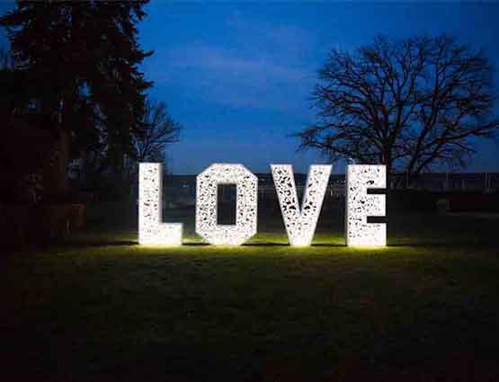 Love Buchstaben XXL 1,4m - Rund um Ihre Hochzeit