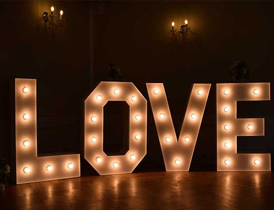 Love Buchstaben mieten Alles für die Hochzeit - Hochzeitstdekoration mieten Berlin - Hochzeitsdekoration mieten - Hochzeit mieten - Rund um die Hochzeit