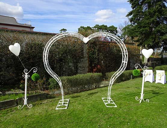 Hochzeitbogen Mia mieten herzförmig ohne Deko, Herz Hochzeitsbogen, Herzbogen, Hochzeitsdekoration mieten, Rund um Ihre Hochzeit, Wedding