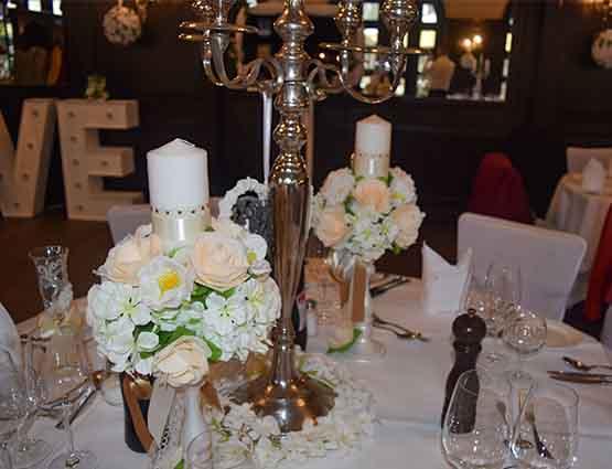 Kerzen und Kerzenständer mieten rund um Ihre Hochzeit, Hochzeitsdeko mieten, Hochzeitsdekoration