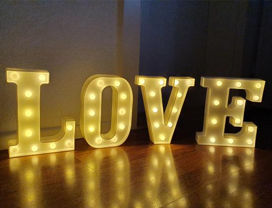 Leuchtende Buchstaben mieten Hochzeitdeko mieten berlin, Hochzeitsdekoration mieten, Hochzeit mieten, Rund um Ihre Hochzeit berlin