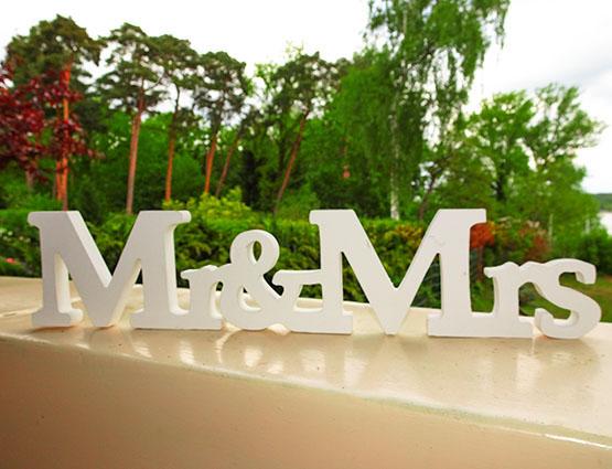 Mr & Mrs Schriftzuf mieten, Hochzeitsdeko mieten, Hochzeitsdekoration mieten, Hochzeit, Hochzeitsdekoration mieten, Hichzeitsbogen, Rund um Ihre Hochzeit