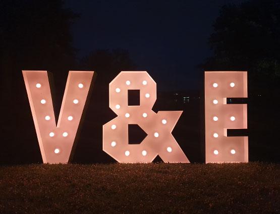 XXL Initialen 1,2m mieten in Berlin bei rund für die Hochzeit, Hochzeitstdekoration mieten Berlin, Hochzeitsdekoration mieten, Hochzeit, rund um die Hochzeit