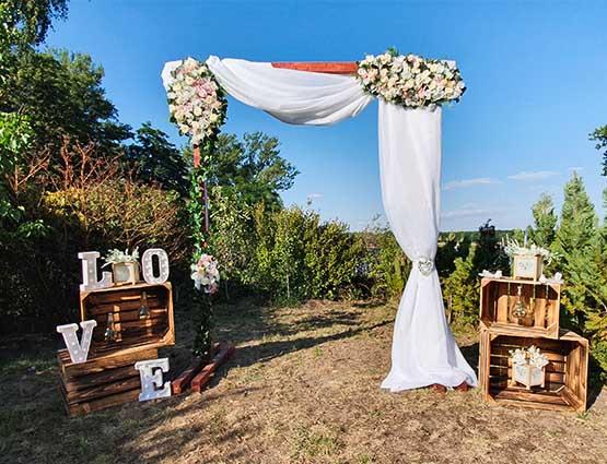 Traubogen Lia mieten in Berlin rund um Ihre Hochzeit, Hochzeitsdekoration mieten, Wedding, rund um Ihre Hochzeit, Hochzeit. Rund-um-Ihre-Hochzeit.de in berlin