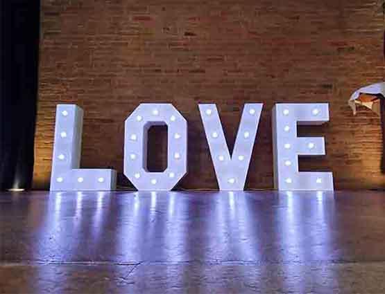 leuchtende Buchstaben Verleih in Berlin, rund für die Hochzeit Berrlin, Hochzeitstbuchstaben mieten in Berlin, Hochzeitsdeko mieten, Hochzeit, rund um die Hochzeit