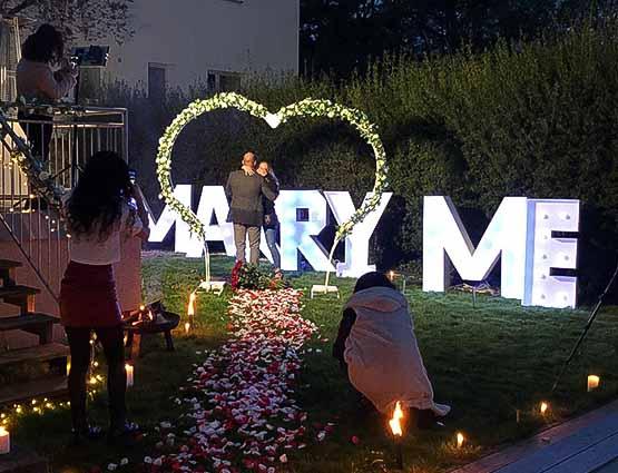 Marry Me mieten in Berlin, Marry Me Leuchtbuchstaben mieten, rund um Ihre Hochzeit, Marry Me Antrag, Wedding