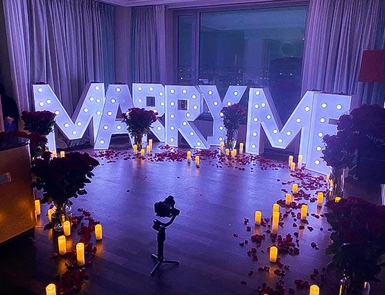 Marry Me XXL Buchstaben mieten, Marry Me Leuchtbuchstaben mieten, rund um Ihre Hochzeit, Marry Me Antrag, Antrag