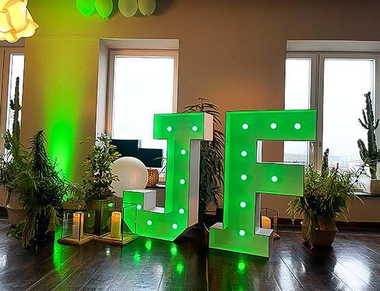Leuchtende Buchstaben Hochzeit, LED Hochzeitsdeko, Leuchtbuchstaben mieten Berlin, Hochzeitsdeko mieten in Berlin